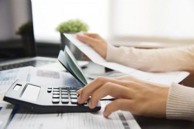Existenzgründungsberatung Schreibtisch mit Unterlagen